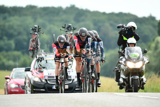 BMC Racing Team in action during Stage 3 of the 2018 Criterium du Dauphine 2018 a Team Time Trial running 35km from Pont de Vaux to Louhans Chateaurenaud, France. 6th June 2018.<br /> Picture: ASO/Alex Broadway | Cyclefile<br /> <br /> <br /> All photos usage must carry mandatory copyright credit (© Cyclefile | ASO/Alex Broadway)