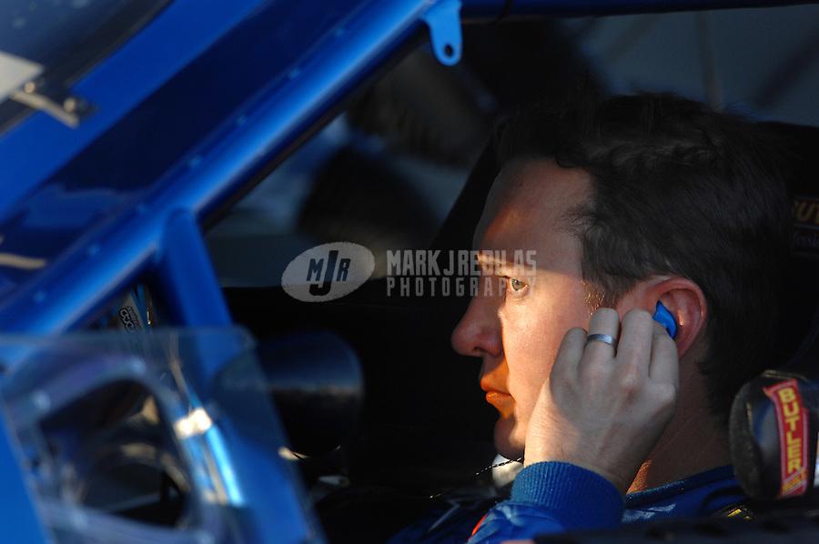 Nov. 10, 2006; Avondale, AZ, USA; Nascar Nextel Cup driver Kurt Busch (2) during qualifying for the Checker 500 at Phoenix International Raceway. Mandatory Credit: Mark J. Rebilas