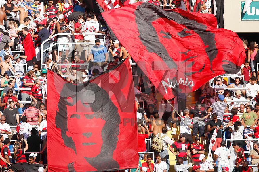 RIO DE JANEIRO, RJ - 18 DE SETEMBRO DE 2011 - BRASSILEIR&Atilde;O - BOTAFOGO X FLAMENGO - Torcidsa do Flamengo durante a partida, v&aacute;lida pela 24&ordf; rodada do Campeonato Brasileiro, no est&aacute;dio Engenh&atilde;o, na zona norte do Rio de Janeiro, neste domingo(18).<br /> FOTO: RUDY TRINDADE/NEWSFREE