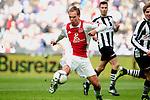 Nederland, AMsterdam, 1 April 2012.Eredivisie.Seizoen 2011-2012.Ajax-Heracles 6-0.Siem de Jong van Ajax scoort de 4-0
