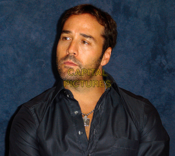 """JEREMY PIVEN.Photocall for """"Entourage"""".September 2006.Ref: AW.headshot portrait stubble.www.capitalpictures.com.sales@capitalpictures.com.©Anita Weber/Capital Pictures."""