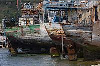 France, Bretagne, (29), Finistère, Presqu'île de Crozon, Camaret-sur-Mer: Cimetière de bateau