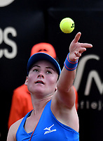 BOGOTÁ-COLOMBIA, 12-04-2019: Tamara Zidansek de Eslovenia, se prepara para servir Lara Arruabarena de España, durante partido por el Claro Colsanitas WTA, que se realiza en el Carmel Club en la ciudad de Bogotá. / Tamara Zidansek of Slovenia, prepares to serves to Lara Arruabarrena of Spain, during a match for the WTA Claro Colsanitas, which takes place at Carmel Club in Bogota city. / Photo: VizzorImage / Luis Ramírez / Staff.