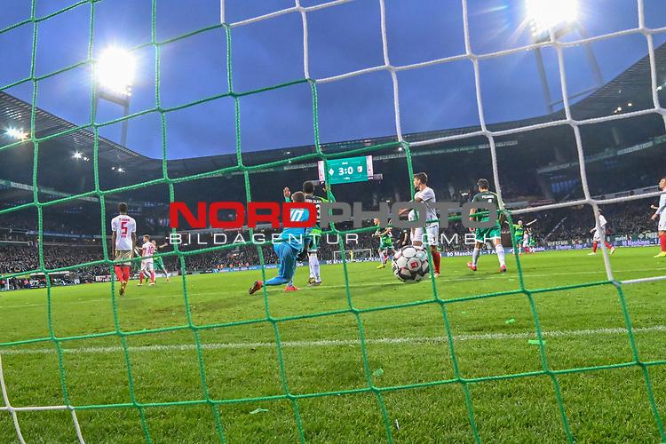 10.02.2019, Weser Stadion, Bremen, GER, 1.FBL, Werder Bremen vs FC Augsburg, <br /> <br /> DFL REGULATIONS PROHIBIT ANY USE OF PHOTOGRAPHS AS IMAGE SEQUENCES AND/OR QUASI-VIDEO.<br /> <br />  im Bild<br /> <br /> 4:0 durch Kevin M&ouml;hwald / Moehwald (Werder Bremen #06) verdeckt gegen Gregor Kobel (FC Augsburg #40)<br />  Aufgenommen mit der Hintertor Remote Kamera<br /> <br /> Foto &copy; nordphoto / Kokenge