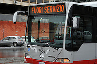 Maltempo.Bad weather.Neve a Roma.Snow in Rome.Autobus fuori servizio.Bus out of service.....