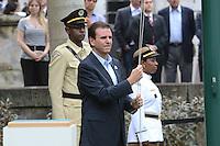 RIO DE JANEIRO, RJ, 15 AGOSTO 2012 -  HASTEAMENTO DA BANDEIRA OLIMPICA NO PALACIO DA CIDADE- O Prefeito Eduardo Paes participa do hasteamento da Bandeira Olimpica,nesta tarde de quarta feira, 15 de agotso,no Palacio da Cidade, em Botafogo, zona sul do Rio de Janeiro.(FOTO:MARCELO FONSECA / BRAZIL PHOTO PRESS).