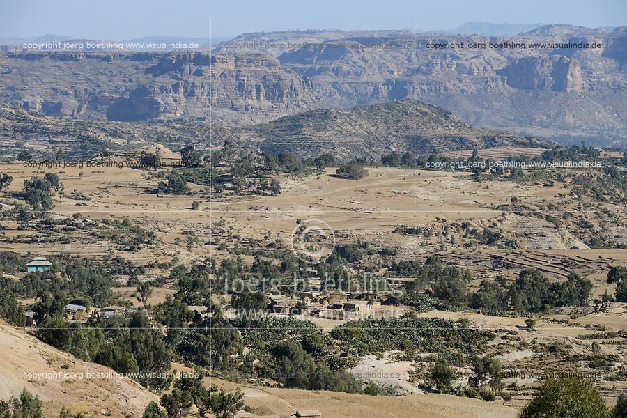 ETHIOPIA, Tigray, view to frontier area Eritrea / AETHIOPIEN, Tigray, Hochland, Blick zum Grenzgebiet Eritrea