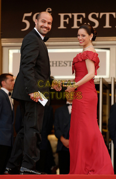 "BILLY ZANE & KELLY BROOK.""The Da Vinci Code"" World Premiere,.59th International Cannes Film Festival,.Cannes, France, May 17th 2006..full length red dress couple steps.Ref: KRA.www.capitalpictures.com.sales@capitalpictures.com.©Persun/Capital Pictures"