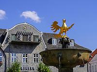 Marktplatz mit Kämmereigebäude und Marktbrunnen, Goslar, Niedersachsen, Deutschland, Europa, UNESCO-Weltkulturerbe<br /> Marketplace with Kämmerei and foutain, Goslar, Lower Saxony,, Germany, Europe, UNESCO Heritage Site