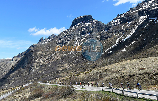 The peloton ride through the Dolomites during Stage 18 of the 100th edition of the Giro d'Italia 2017, running 137km from Moena to Ortisei/St. Ulrich, Italy. 25th May 2017.<br /> Picture: LaPresse/Fabio Ferrari | Cyclefile<br /> <br /> <br /> All photos usage must carry mandatory copyright credit (&copy; Cyclefile | LaPresse/Fabio Ferrari)