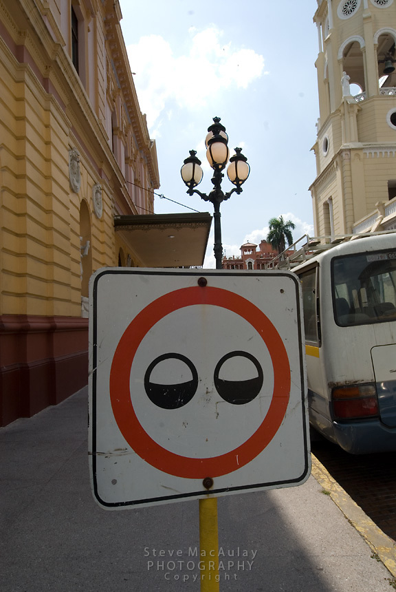 Unusual sign, Casco Viejo, Panama