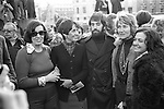 Betty Williams, Joan Baez, Mr Ciaran McKeown, Mrs Jane Ewart  Biggs, Mairead Corrigan  Peace people London 1976.<br />