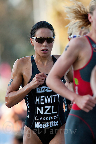 13 SEP 2009 - SOUTHPORT, AUS - Andrea Hewitt (NZL) -  Elite Womens ITU World Championship Series Final .(PHOTO (C) NIGEL FARROW)