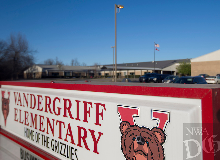 NWA Democrat-Gazette/JASON IVESTER<br /> Vandergriff Elementary School in Fayetteville; photographed on Tuesday, March 7, 2017