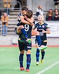 ***BETALBILD***  <br /> Stockholm 2015-09-27 Fotboll Damallsvenskan Hammarby IF DFF - FC Roseng&aring;rd :  <br /> Roseng&aring;rds Alexandra Riley firar sitt 1-0 m&aring;l med lagkamrater under matchen mellan Hammarby IF DFF och FC Roseng&aring;rd <br /> (Foto: Kenta J&ouml;nsson) Nyckelord:  Fotboll Damallsvenskan Dam Damer Zinkensdamms IP Zinkensdamm Zinken Hammarby HIF Bajen FC Roseng&aring;rd jubel gl&auml;dje lycka glad happy