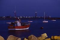 Europe/France/Bretagne/29/Finistère/Saint-Guénolé : Port et phare d'Eckmuhl