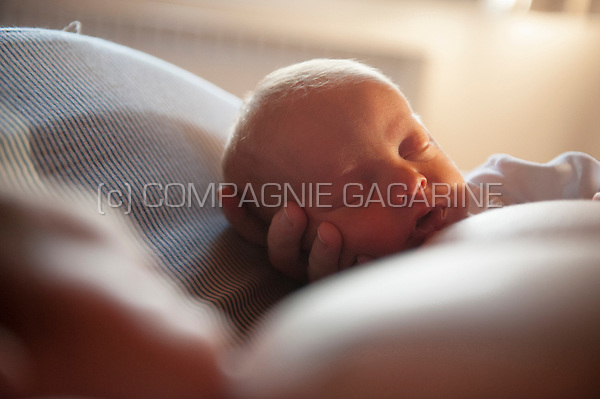 Illustration picture of a sleeping newborn baby (Genk, 21/01/2017)