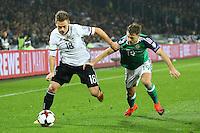 Joshua Kimmich (Deutschland, Germany) gegen Jamie Ward (Nordirland, Northern Ireland)- 11.10.2016: Deutschland vs. Nordirland, HDI Arena Hannover, WM-Qualifikation Spiel 3