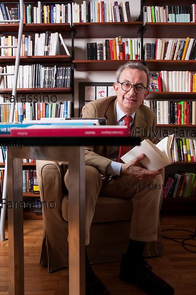 Milano, 5 marzo 2015 - <br /> L'agente letterario Marco Vigevani fotografato nel suo studio<br /> Marco Vigevani, literary agent in his studio