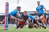 Picture by Allan McKenzie/SWpix.com - 11/03/2018 - Rugby League - Betfred Super League - Castleford Tigers v Salford Red Devils - the Mend A Hose Jungle, Castleford, England - Salford's Greg Johnson and Junior Sa'u team up to try and prevent Castleford's Greg Minikin from scoring a try.