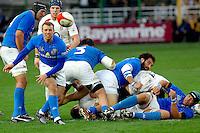 Photo: Omega/Richard Lane Photography. Italy v England. RBBS Six Nations. 10/02/2008. Italy's Simon Picone passes.
