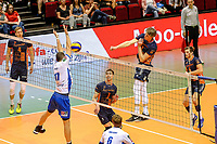 GRONINGEN - Volleybal, Lycurgus - Achterhoek Orion, final playoff 1 seizoen 2018-2019,  21-04-2019,  /p2/ slaat de bal langs het blok van Lycurgus speler Niels de Vries