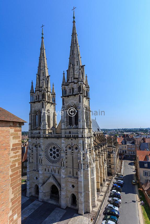 France, Allier (03), Moulins, la cathédrale Notre-Dame vue depuis la tour de la Mal-Coiffée // France, Allier, Moulins, Notre Dame cathedral view since Mal Coiffee Tower