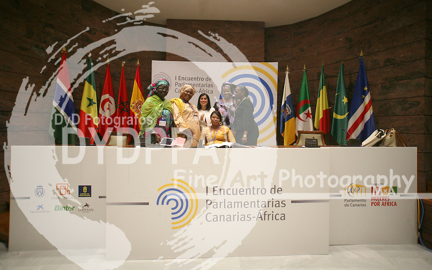 African representatives women pose after meeting