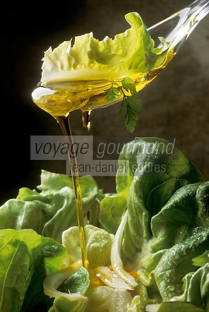 Gastronomie générale / Cuisine générale : Salade verte et huile d'Olive