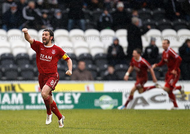Paul Hartley celebrates as Aberdeen equalise