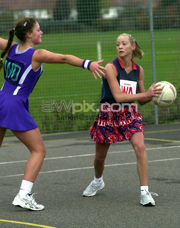 Pix: Chris Whiteoak/SWpix.com. Netball, National Youth Championships, 21/11/2004...COPYRIGHT PICTURE>>SIMON WILKINSON>>01943 608782>>..U18's Dawen v St Austell
