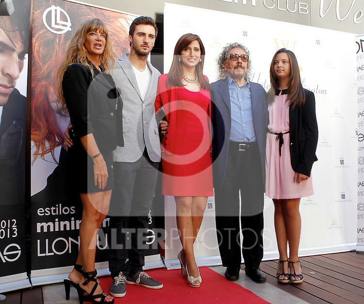 Hairdresser Lluis Llongueras and his family during the presentation of his new hairstyles at the Wellington Hotel.(ALTERPHOTOS/Alconada)