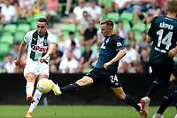 GRONINGEN - Voetbal, FC Groningen - Werder Bremen, voorbereiding seizoen 2018-2019, 29-07-2018, uithaal van FC Groningen speler Mimoun Mahi, Johannes Eggestein is te laat