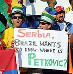 FUDBAL, PRETORIJA, 13. Jun. 2010. - Navijaci Brazila sa pitanjem Gde je Rambo Petkovic. Utakmica 1. kola grupe D Svetskog prvenstva u fudbalu izmedju Srbije i Gane. Foto: Nenad Negovanovic