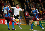 Billy Sharp of Sheffield Utd takes on Charlie Goode of Scunthorpe Utd - English League One - Scunthorpe Utd vs Sheffield Utd - Glandford Park Stadium - Scunthorpe - England - 19th December 2015 - Pic Simon Bellis/Sportimage