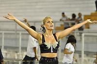 ATENÇÃO EDITOR FOTO EMBARGADA PARA VEÍCULOS INTERNACIONAIS - SÃO PAULO, SP, 01 DE FEVEREIRO DE 2013 - ENSAIO TÉCNICO VAI VAI - Ana Hickman durante (c) ensaio técnico da Escola de Samba Vai Vai na preparação para o Carnaval 2013. O ensaio foi realizado na noite desta sexta (02) no Sambódromo do Anhembi, zona norte da cidade. FOTO LEVI BIANCO - BRAZIL PHOTO PRESS