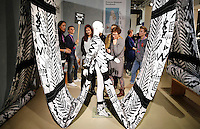 Nederland Eindhoven  2015. Dutch Design Week. 9 dagen lang presenteert DDW op 100 locaties processen, experimenten en ideeën, antwoorden en oplossingen van 2400 designers. Expositie in het Klokgebouw. Zeeuws Museum Handwerk