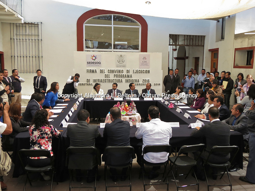 Querétaro, Qro. 25 de febrero 2016. Presidente municipales firmaron hoy el convenio de ejecución del programa de infraestructura indígena con el cual se comprometen a utilizar los recursos destinados en esta materia en un plazo no mayor a un año. Foto: Alejandra L. Beltrán / Obture Press Agency