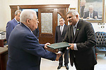 Palestinian President Mahmoud Abbas receives the credentials of the Pakistani Ambassador to the State of Palestine, in Amman, Jordan on Aug. 07, 2018. Photo by Thaer Ganaim