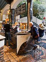 Einkaufspassage Kalke Village beim Hundertwasserhaus, Kegelgasse in Wien, &Ouml;sterreich<br /> Shopping Mall Kalke village, Kegelgasse, Vienna, Austria