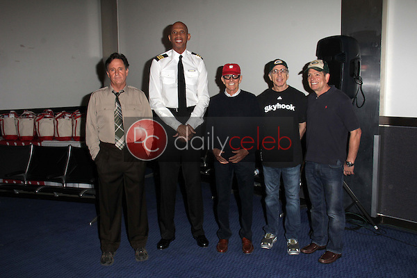 Robert Hays, Kareem Abdul-Jabbar, Jim Abrahams, Jerry Zucker, David Zucker<br />