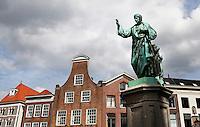 Laurens Janszoon Costers , mede uitvinder van de boekdrukkunst. Standbeeld in Haarlem