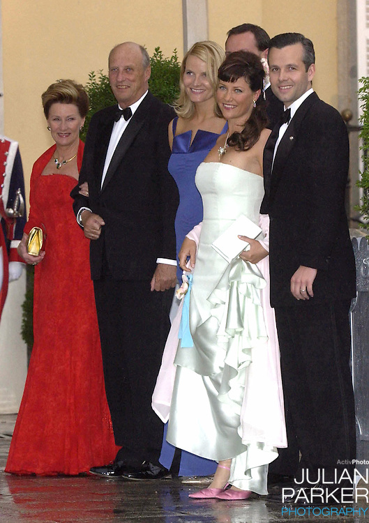 King Harald, Queen Sonja, Crown Prince Haakon & Crown Princess Mette-Marit, Princess Martha Louise & Ari Behn of Norway attend a Gala Dinner at the El Pardo Royal Palace in Madrid..Picture: UK Press