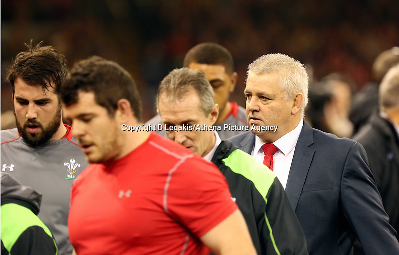 Pictured: Wales manager Warren Gatland (R) Saturday 29 November 2014<br />