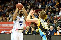 GRONINGEN - Basketbal, Donar - Den Helder Suns, Martiniplaza, Dutch Basketbal League,  seizoen 2018-2019, 27-11-2018,  Donar speler Lance Jetermet Den Helder speler Boyd van der Vuurst de Vries