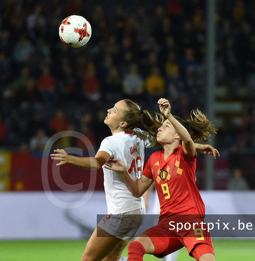 20181005 - LEUVEN , BELGIUM : Belgian Tessa Wullaert (R) and Switzerland's Lia Walti (L)  pictured during the female soccer game between the Belgian Red Flames and Switzerland , the first leg in the semi finals play offs for qualification for the World Championship in France 2019, Friday 5 th october 2018 at OHL Stadion Den Dreef in Leuven , Belgium. PHOTO SPORTPIX.BE | DIRK VUYLSTEKE