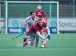 AMSTELVEEN - Cameron Golden (HCKZ) met Wiegert Schut (Adam)  tijdens de hoofdklasse competitiewedstrijd mannen, Amsterdam-HCKC (1-0).  COPYRIGHT KOEN SUYK
