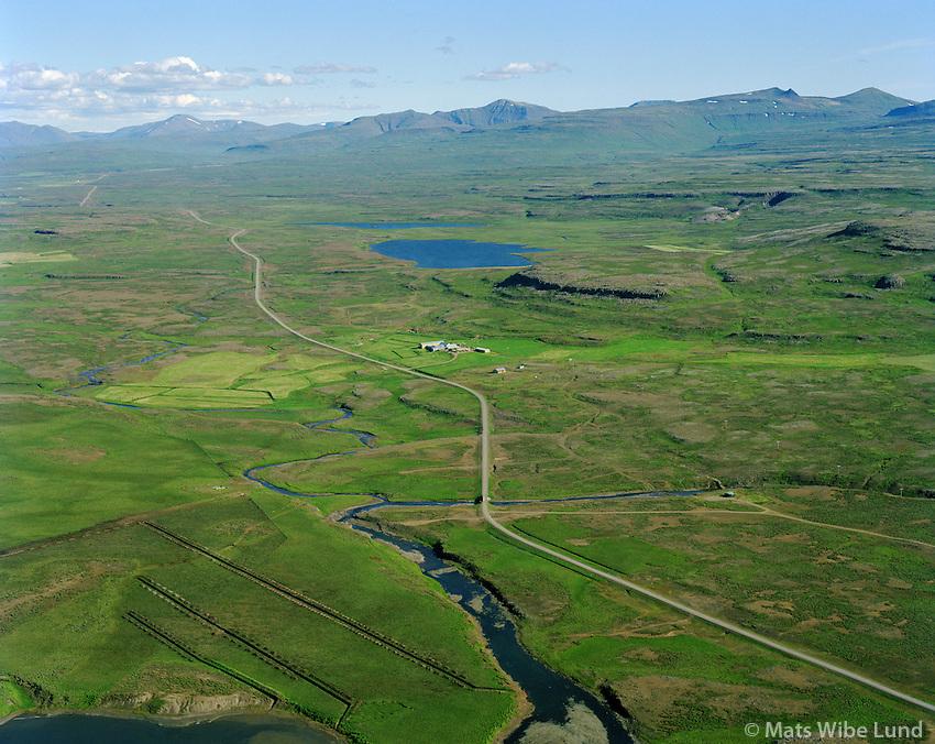Emmuberg séð til austurs, Hólmlátur eyðibýli í bakgr t.v. , Skógarstrandarhreppur / Emmuberg viewing east, Holmlatur in background left,  Skogarstrandarhreppur.