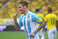 BARRANQUILLA - COLOMBIA- 17-11-2015: Lucas Biglia (Der.) jugador de Argentina celebra el gol anotado a Colombia, durante partido de la fecha 4 válido por la clasificación a la Copa Mundo FIFA 2018 Rusia jugado en el estadio Metropolitano Roberto Melendez en Barranquilla. / Lucas Biglia (R) player of Argentina celebrates a scored goal to Colombia, during match for the date 4 valid for the 2018 FIFA World Cup Russia Qualifier played at Metropolitan stadium Roberto Melendez in Barranquilla. Photo: VizzorImage / Alfonso Cervantes / Str