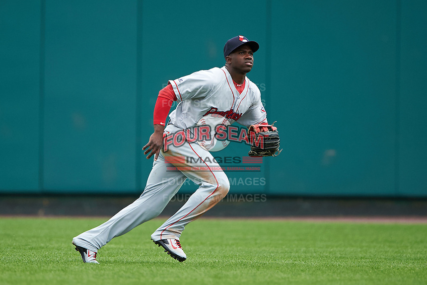 Pawtucket Red Sox outfielder Rusney Castillo (31) tracks a fly ball during a game against the Rochester Red Wings on July 1, 2015 at Frontier Field in Rochester, New York.  Rochester defeated Pawtucket 8-4.  (Mike Janes/Four Seam Images)